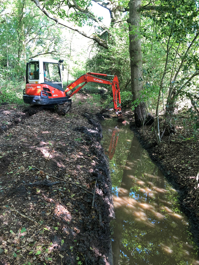 Digger hire Ditching Berkshire Hampshire Surrey