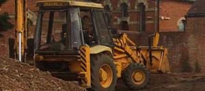 Digger hire with driver Berkshire Hampshire Surrey JCB digger