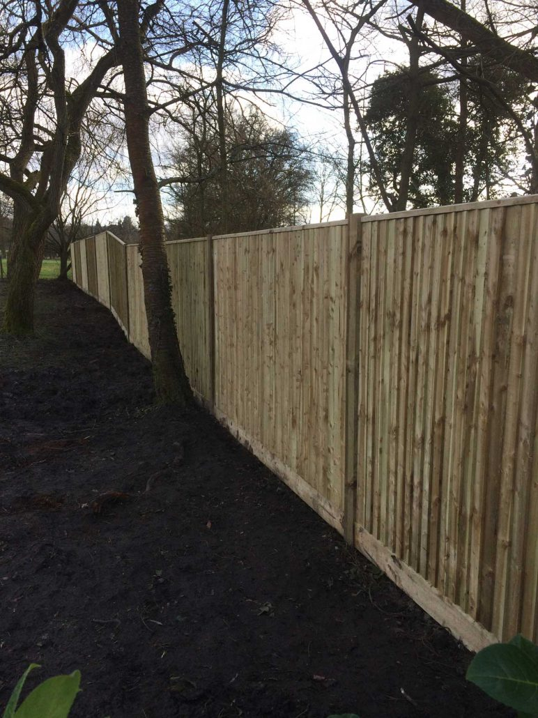Image of fencing in Ascot and Wokingham Berkshire - Fencing Berkshire Hampshire Surrey - Let The Digger Do It fencing contractor