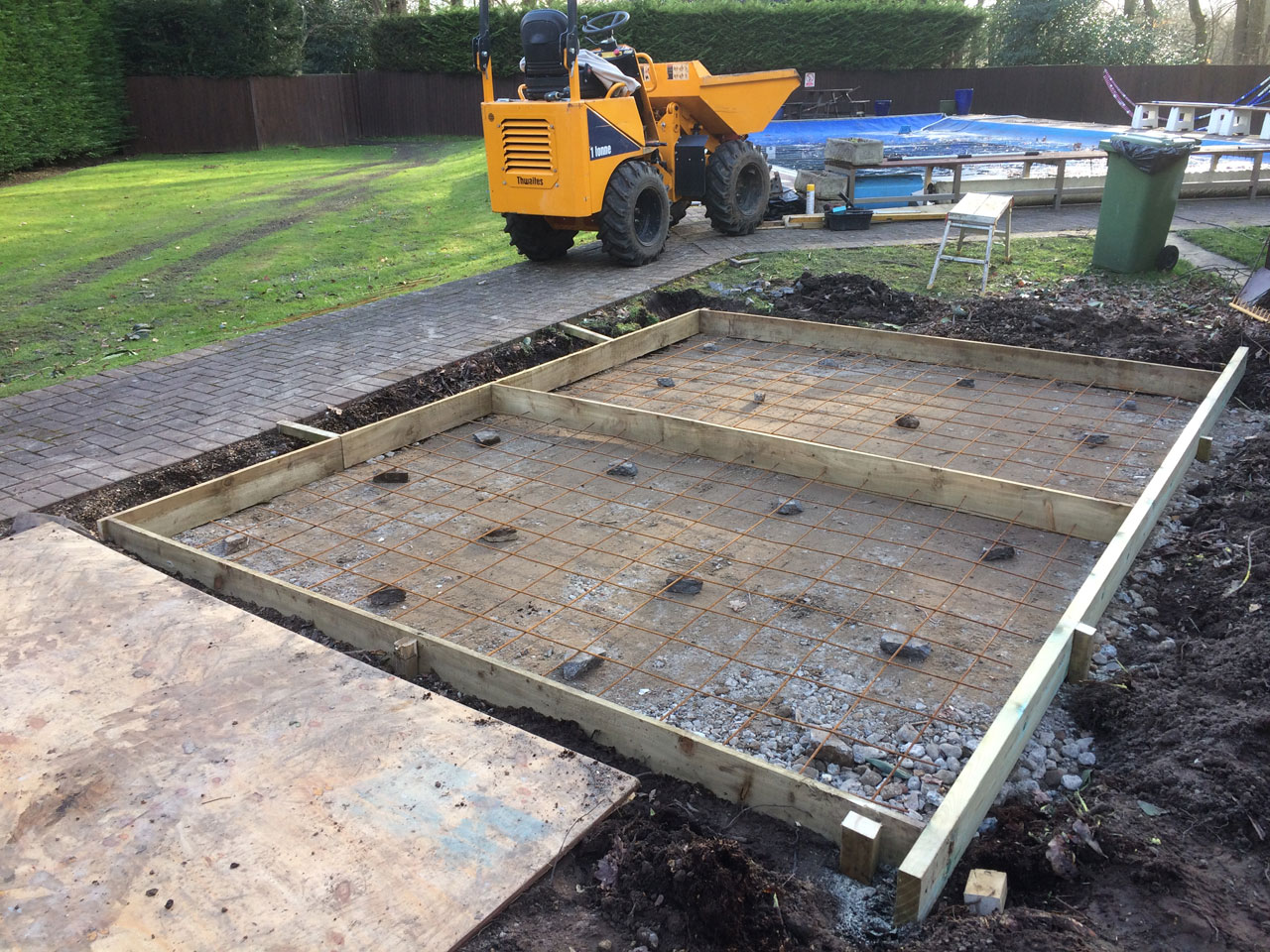 Foundations Berkshire Hampshire Surrey - small foundations for sheds, equipment pads and outbuildings Berkshire Hampshire Surrey