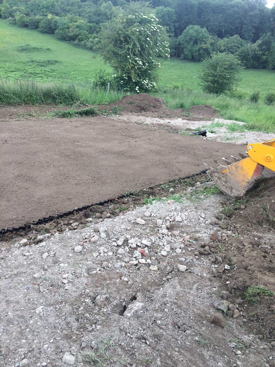 Excavation and Grading Berkshire Hampshire Surrey - earthworks grading man and machine hire in Berkshire Hampshire and Surrey
