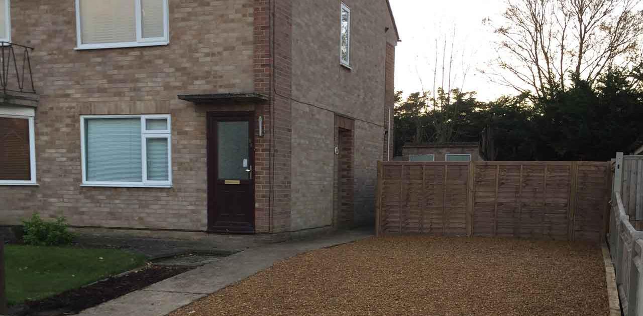 Gravel driveway base driveway installation Berkshire Hampshire Surrey