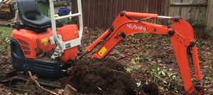 Mini excavator hire with driver Berkshire Hampshire Surrey - Mini digger hire with driver Berkshire Hampshire Surrey
