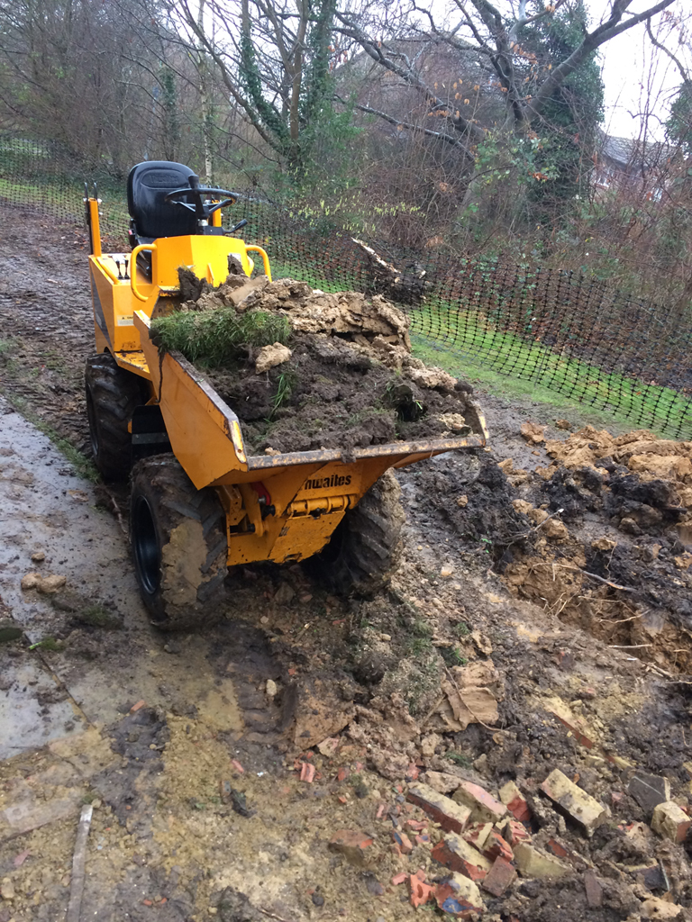Skip loader with driver hire Berkshire Hampshire Surrey