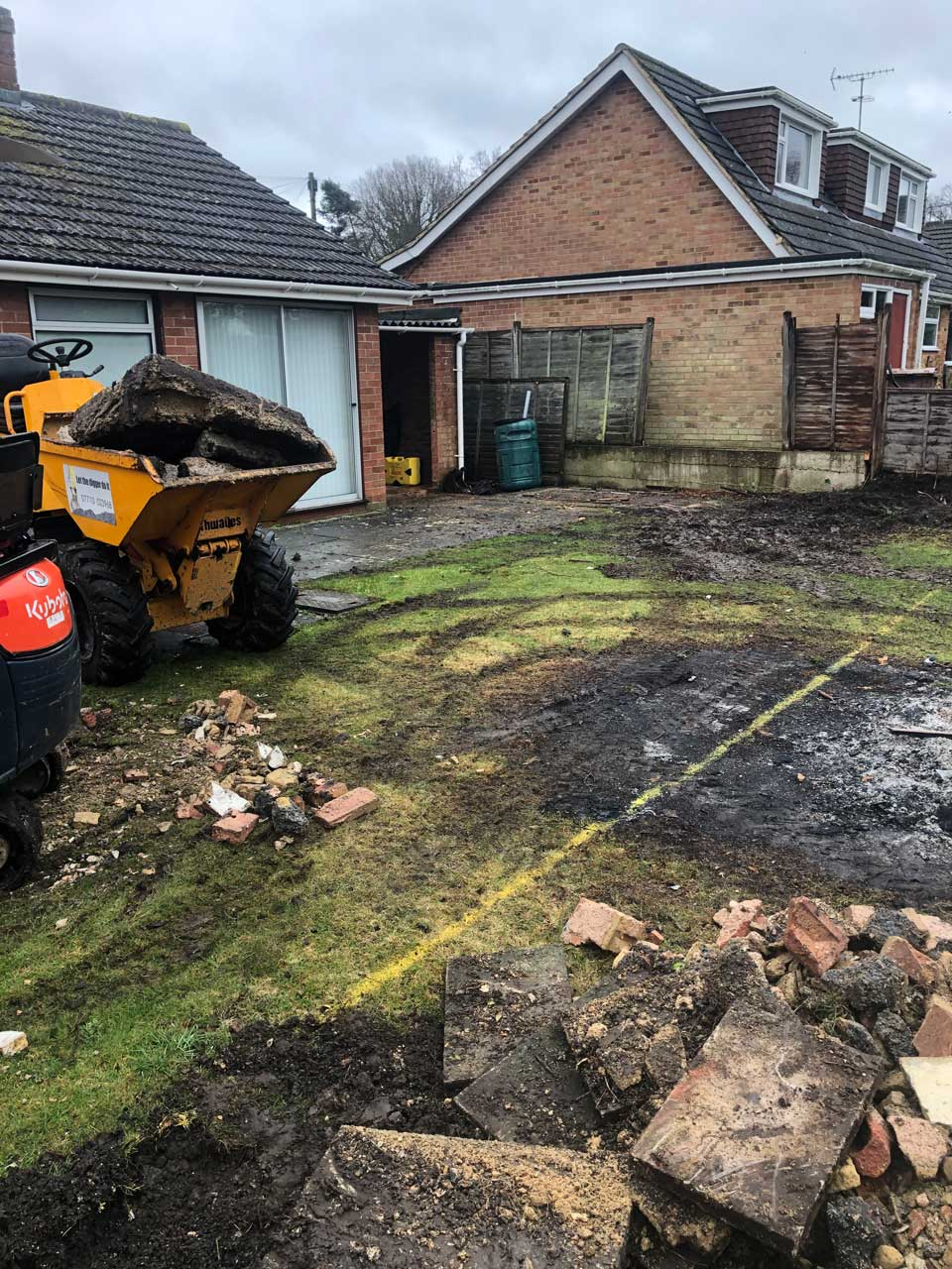 Skip loader hire with driver for footings Wokingham Berkshire Hampshire Surrey